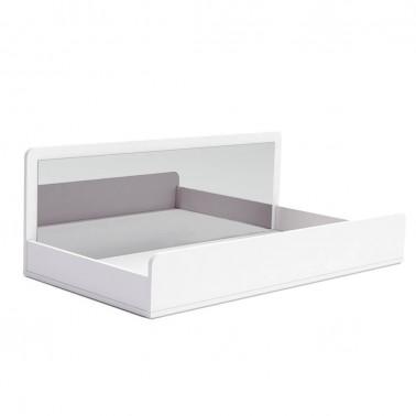 cama infantil con trasera de espejo arco iris